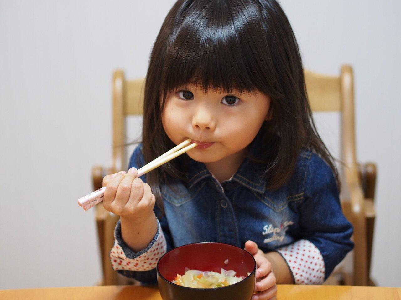 「お箸がうまく持てません」子育て相談 モンテッソーリで考えよう!
