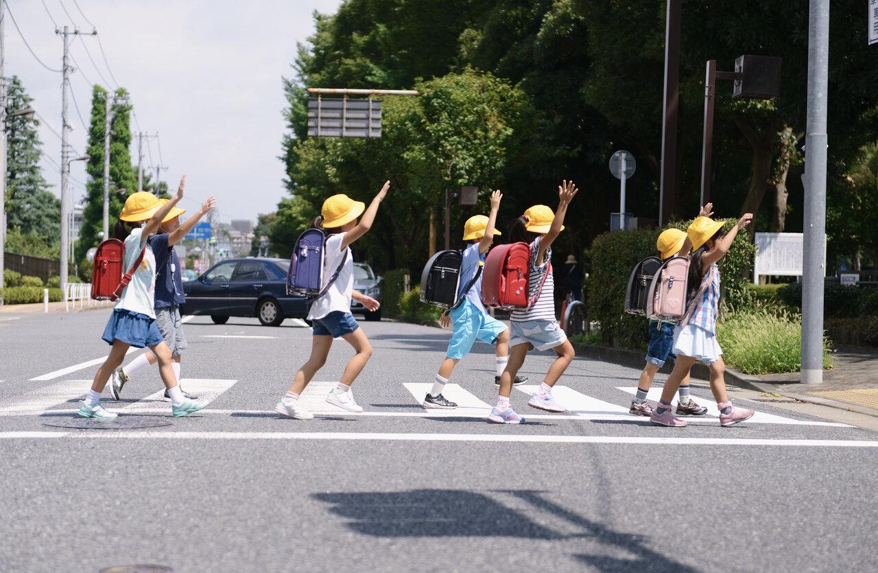事故から我が子を守る「歩かせ方」 家庭で行うコロナ禍の交通教育