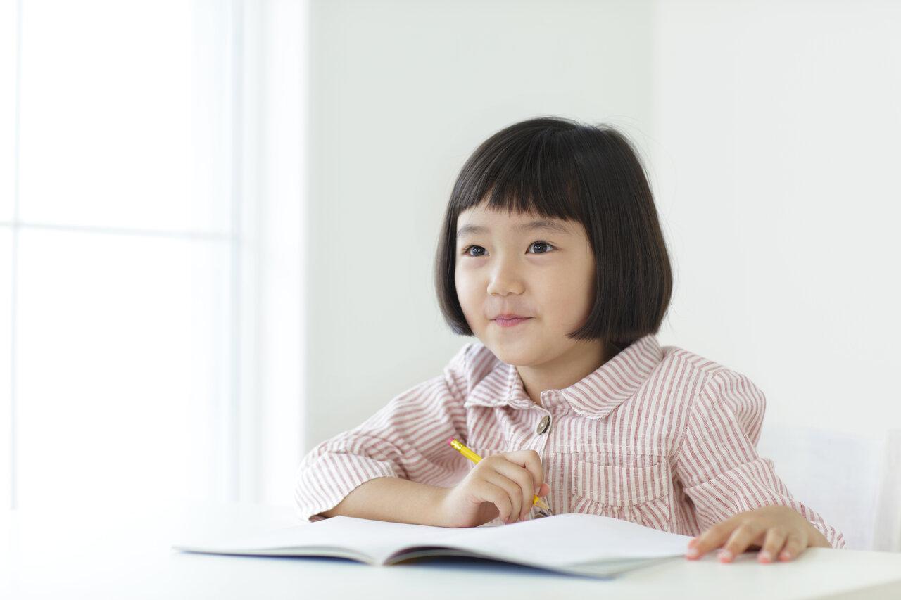 前頭葉の発達ピークは10代! 脳科学的に子どもの「ならいごと」を検証