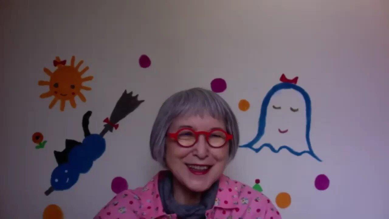 インタビューはzoomで行われました。86歳の角野栄子さんですが、オンラインミーティングにはすっかり慣れたそうです。
