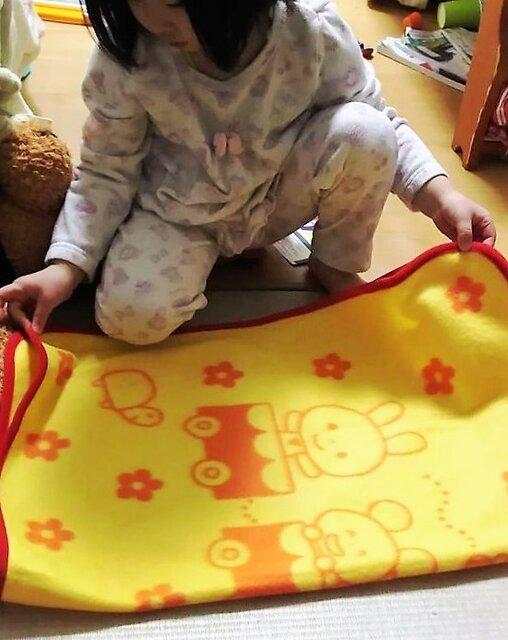 朝起きてするタオルたたみ 3歳8ヵ月