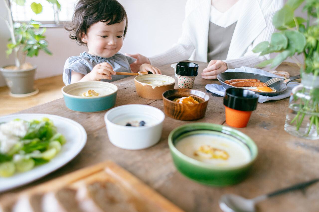 """デザイン、機能性、利便性……子どもの食事を豊かにする食器選びとは?<br> <small class=""""font-small"""">写真提供:(株)和える</small>"""