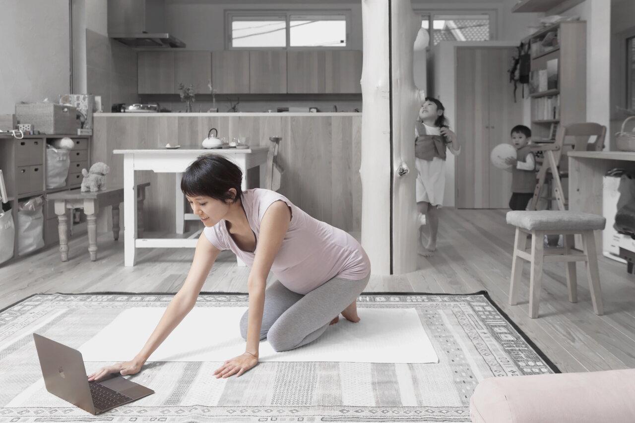 "『HAHATOKI』では、助産師相談会やマンツーマンレッスン、女性の身体や子育て、遊びに関したワークショップも開催。<br> <small class=""font-small"">写真提供:HAHATOKI</small>"