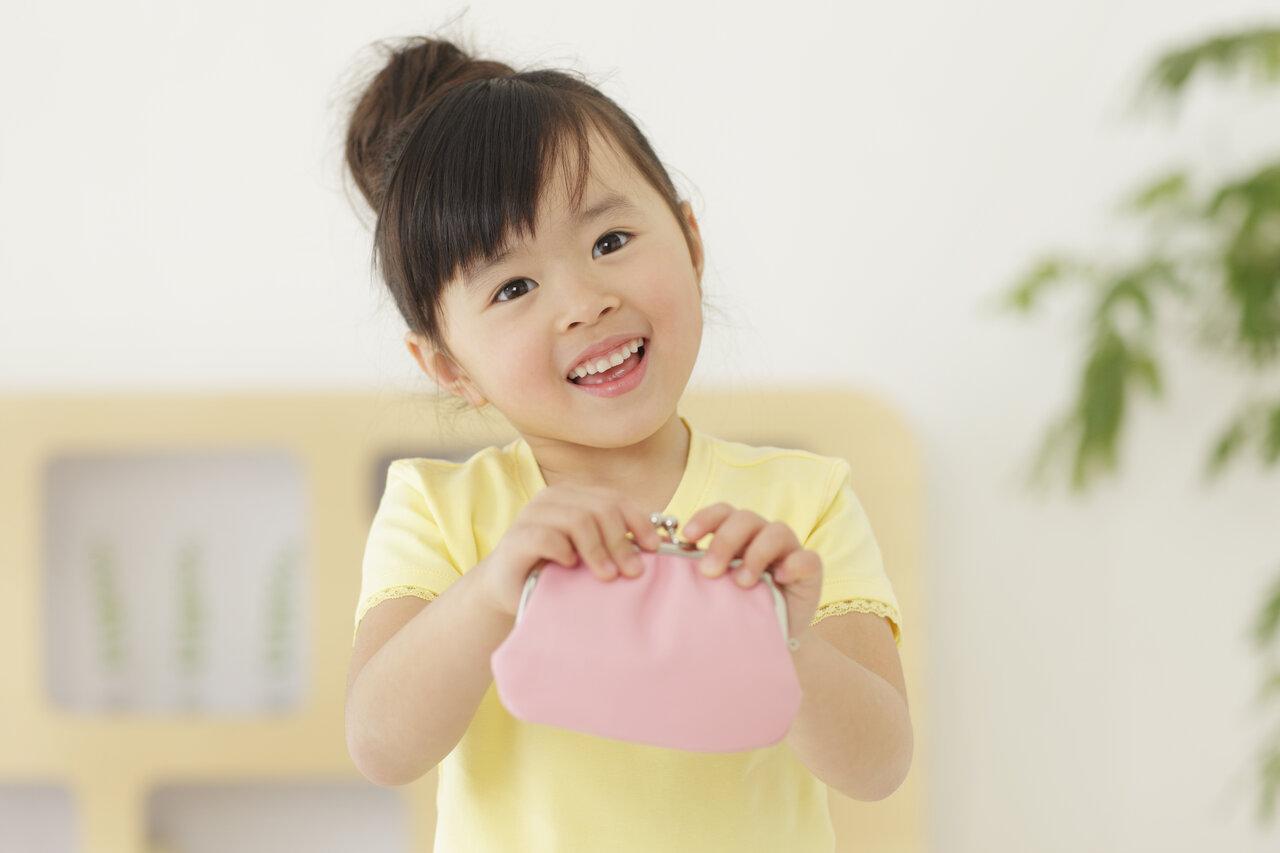 """お金の教育は「2〜3歳からスタートできる」と節約アドバイザーの丸山晴美さんは語る。<br> <small class=""""font-small"""">写真:アフロ</small>"""