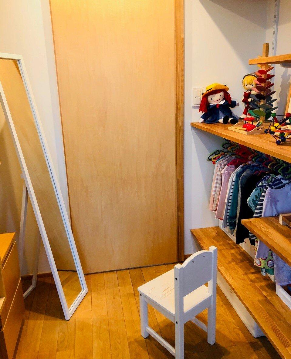 鏡と椅子も、子どもの「やる気」に重要なアイテム!