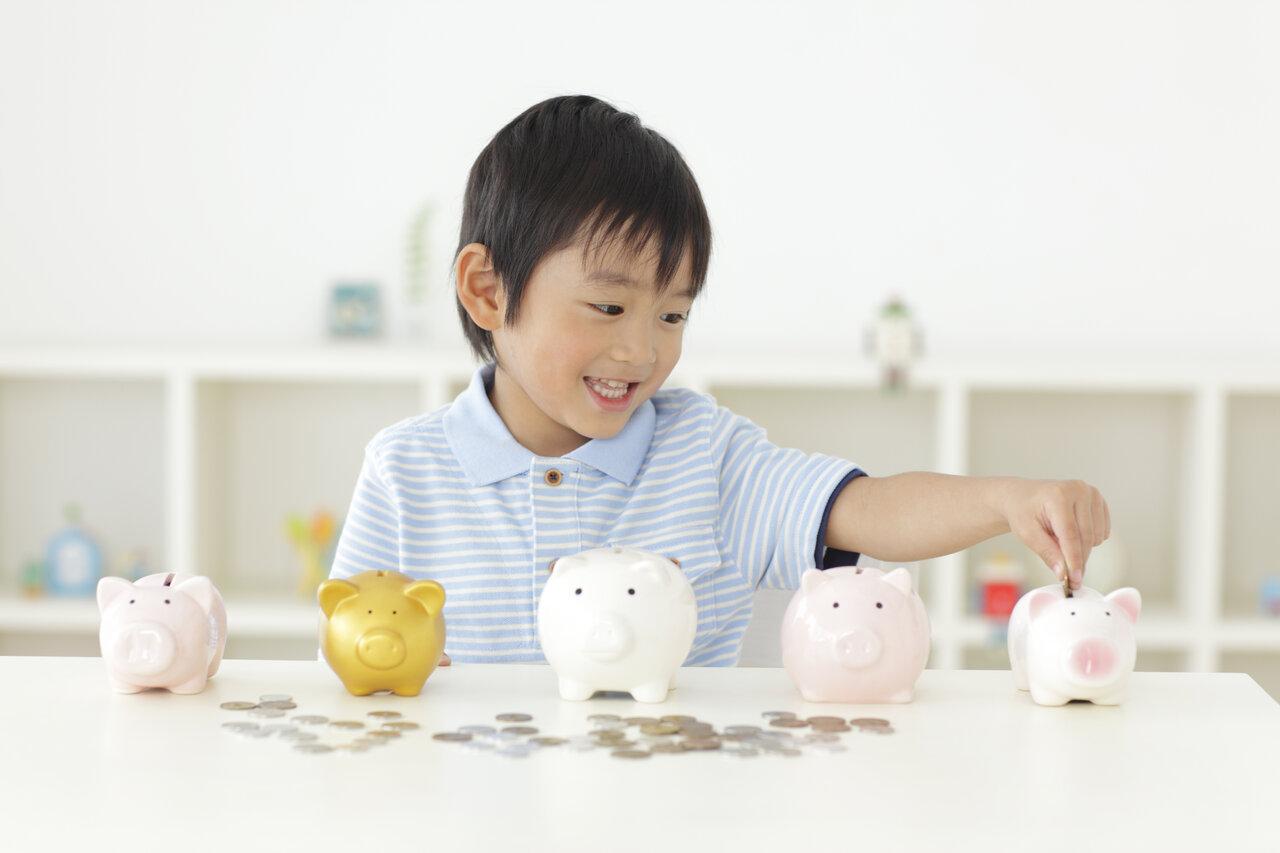 """節約アドバイザー・丸山晴美さんの長男(小6)は、貯金上手な子どもに成長しているとか。<br> <small class=""""font-small"""">写真:アフロ</small>"""