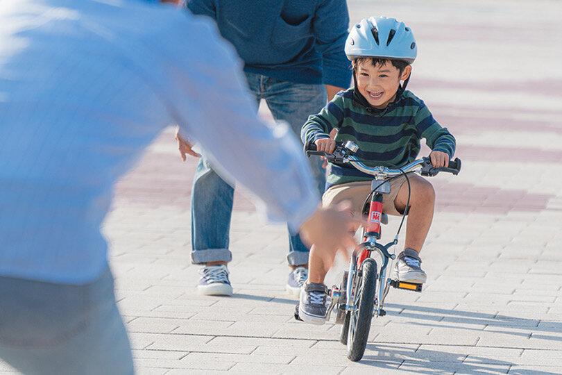 """2〜3歳から乗れる「へんしんバイク」。小さくても自転車に乗れるメカニズムと短時間成功の秘訣に迫る<br> <small class=""""font-small"""">写真提供:ビタミンiファクトリー</small>"""