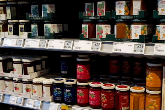 ドイツのスーパーのジャムコーナーはとっても種類が豊富。  写真提供:希代真理子
