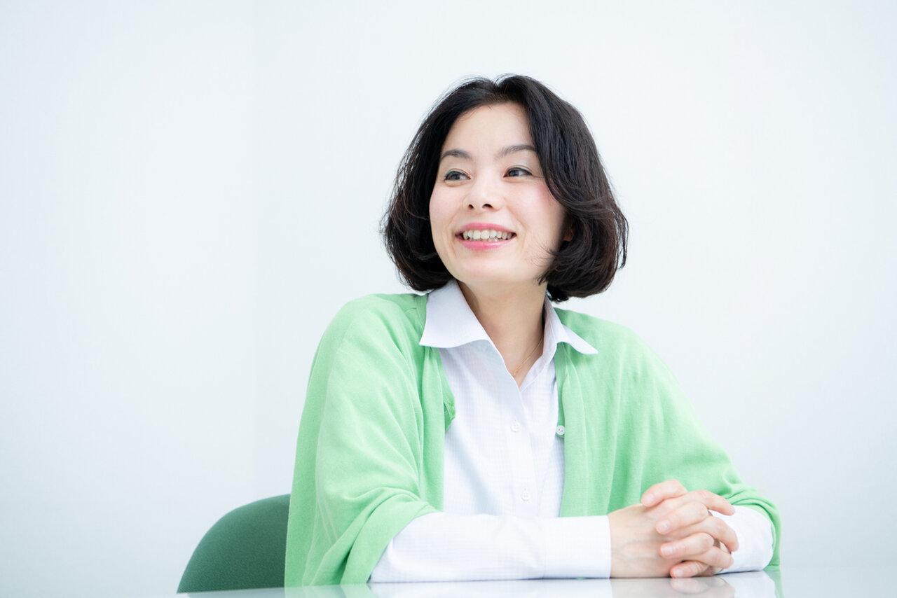 プレゼンアドバイザー・竹内明日香さん。幼稚園からビジネス向けまで、さまざまな場所でプレゼン授業を行っています。  撮影:森﨑一寿美