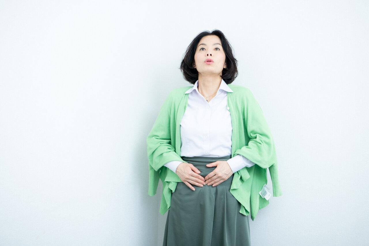 「呼吸は吐いてから吸うのが基本です」(竹内さん)。  撮影:森﨑一寿美