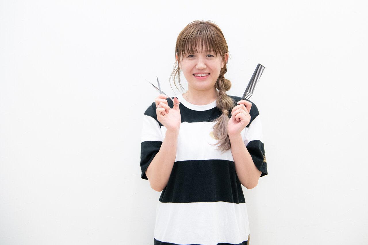 『CHOKKIN'S』のまいお姉さんこと鈴木舞子さん。美容師キャリア20年のベテランスタイリスト。  撮影:森﨑一寿美