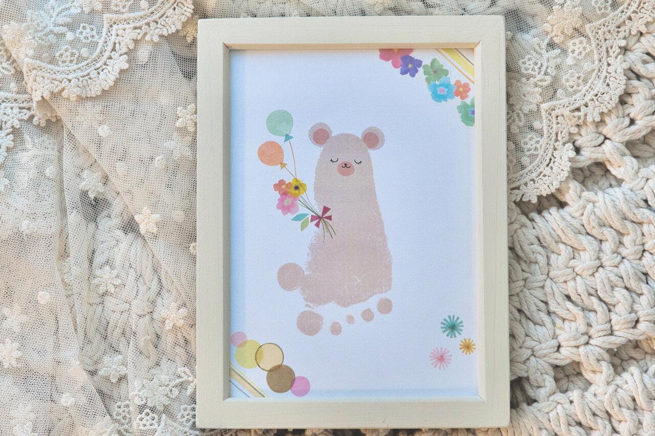 小さな足形からこんなにかわいいクマさんが!  撮影:瀬野未知