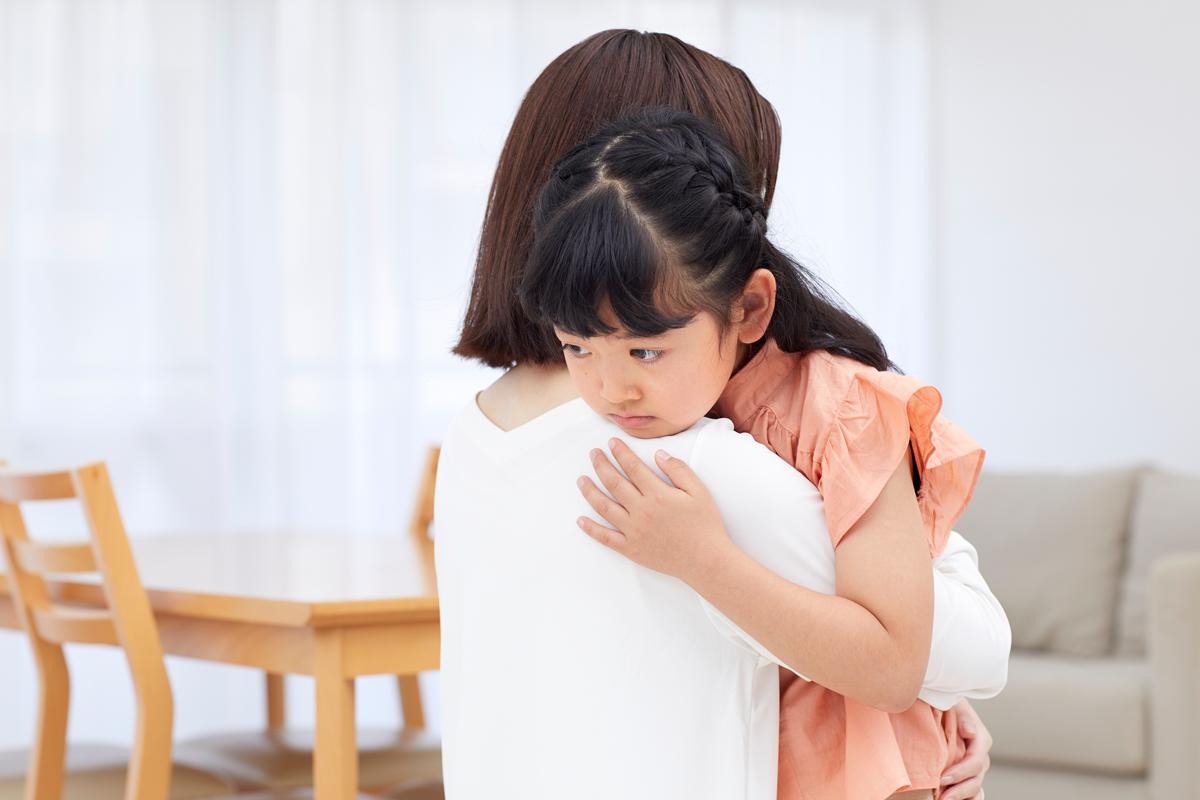 長引く自粛生活は、子どもにとってもストレスです。写真:アフロ