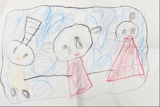 """「お姉ちゃん、私、みかんを描いた!」という次女の絵。左にいる変わった頭がみかんです。姉妹が描く家族の絵には、必ずみかんがいるといいます。  <small class=""""font-small"""">写真提供:本人</small>"""