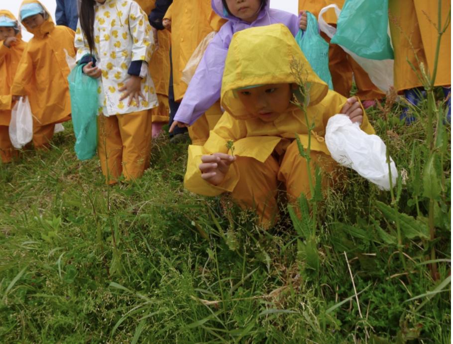 """雨の日には、雨のなかでしか感じられない自然があります。<br> <small class=""""font-small"""">写真提供:日本野外生活推進協会</small>"""