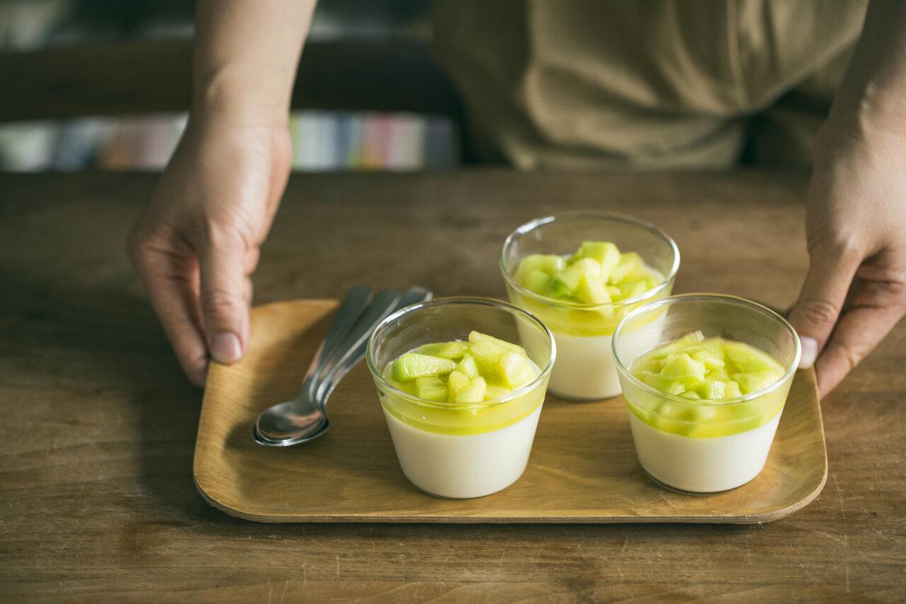 近藤さんのお子さんたちも大好きな「ミルクゼリー」。つるんとなめらかな口当たりで、練乳の甘さとメロンのみずみずしさがベストマッチ。  写真:深澤慎平