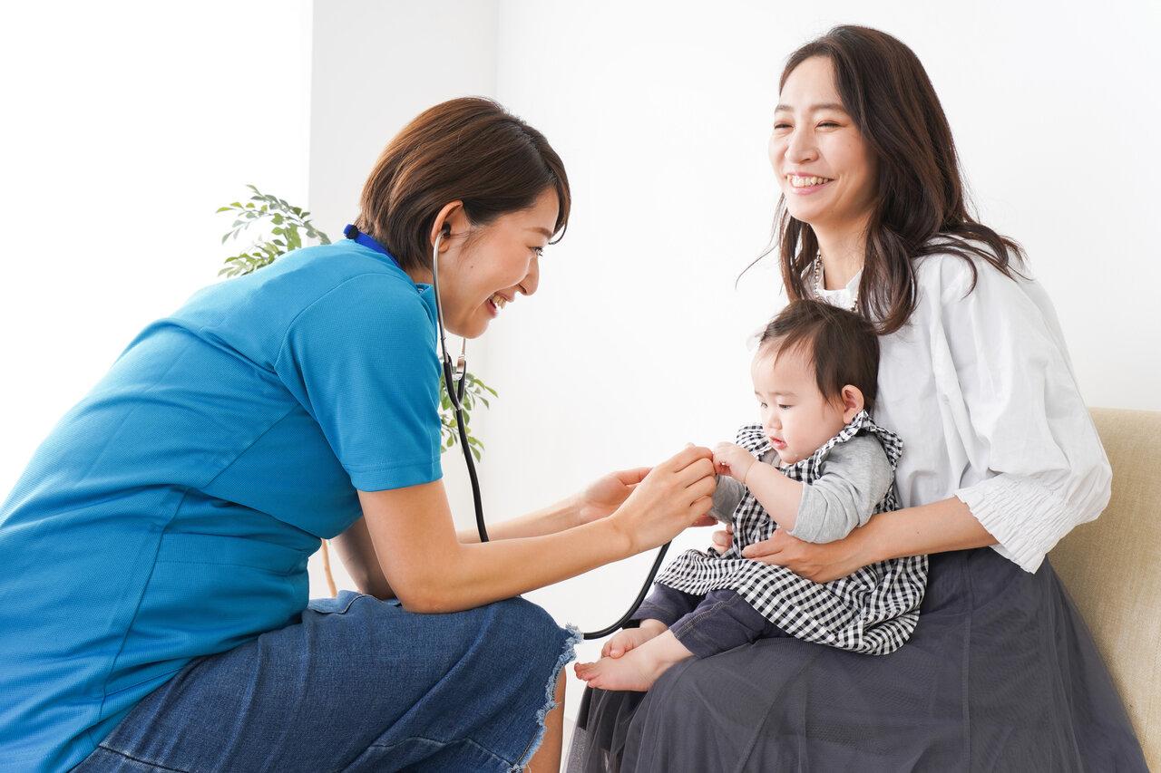 親子ともに安心して受診するためにも「どの先生に診察してもらうか」はとても大切です。<br> 写真:maroke/イメージマート