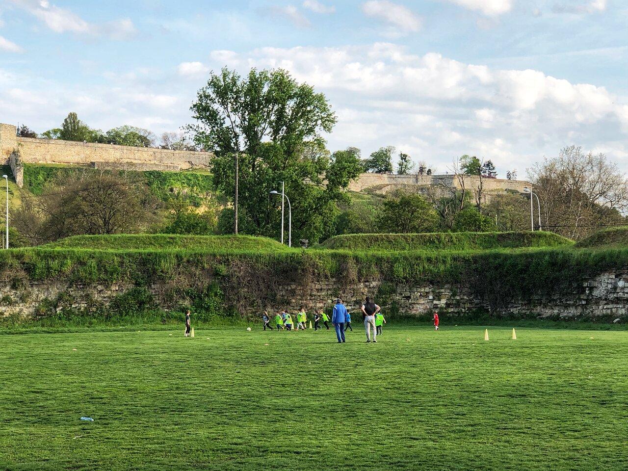 ステファンくんが通うサッカー教室の様子。  <br> 写真提供:富永正明
