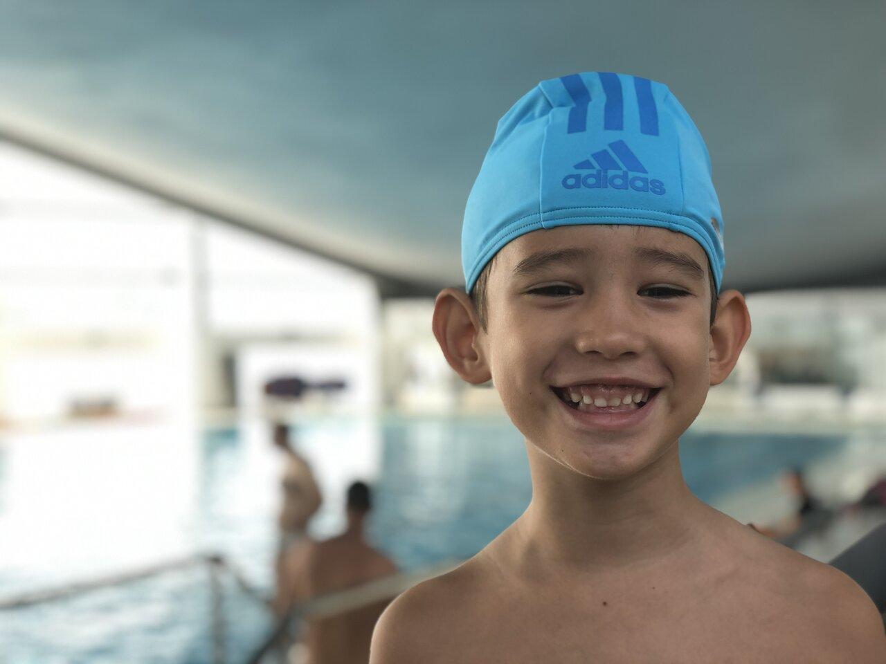 水泳教室に通うステファンくん。  <br> 写真提供:富永正明